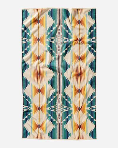 FALCON COVE SUNSET SPA TOWEL IN WHITE MULTI