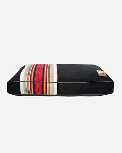ACADIA NATIONAL PARK DOG BED IN SIZE SMALL