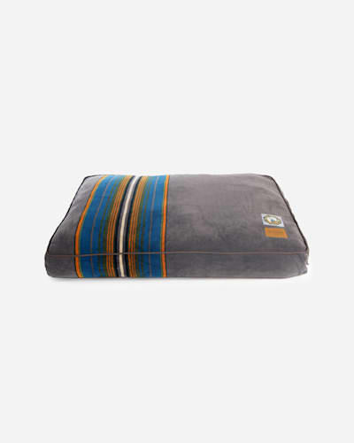 OLYMPIC NATIONAL PARK DOG BED IN SIZE LARGE