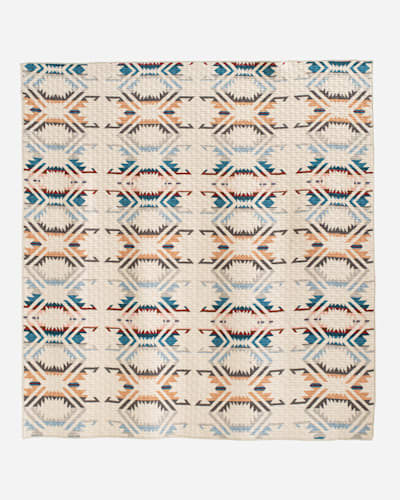 WHITE SANDS PRINTED QUILT SET IN WHITE MULTI